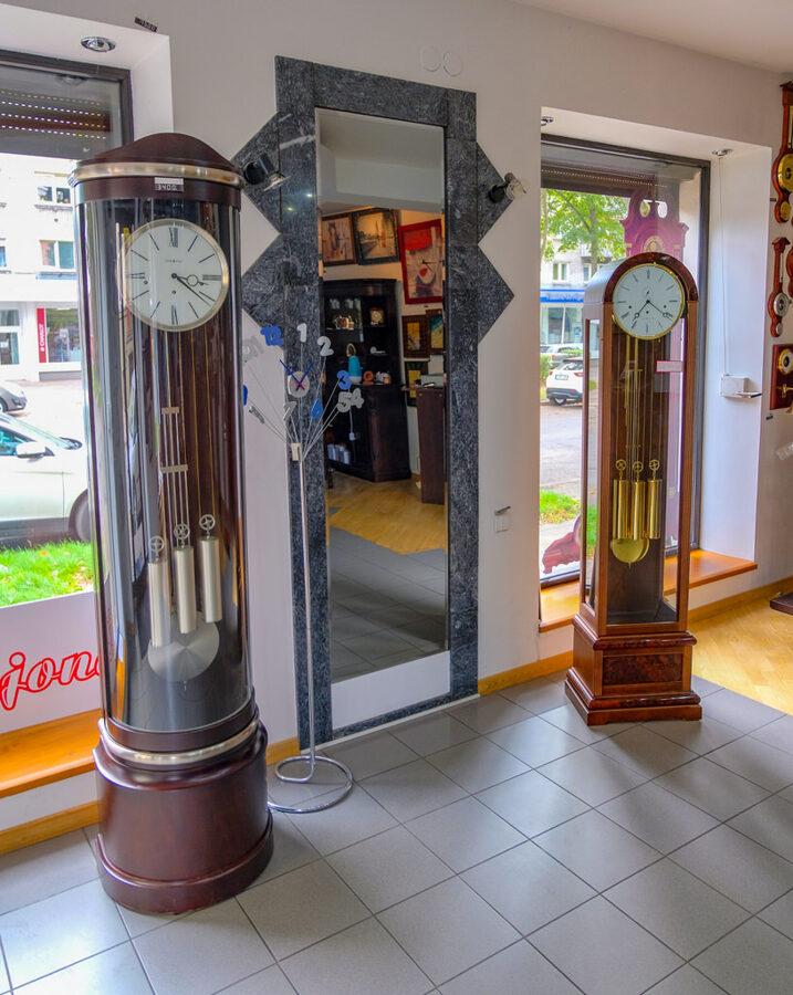 pastatomi laikrodziai